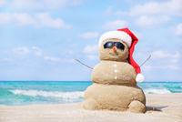 Thumb sand snowman